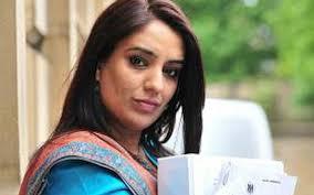Photo of লন্ডনে বিব্রত নারী এমপি